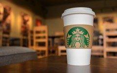みなさんはなぜスタバのコーヒーが売れるのか考えたことありますか スターバックスの基本戦略はやはり顧客満足度を上げること 特にバリスタと呼ばれる店員さんの対応や社員の個別対応に満足度アップのカギがあると考え徹底的に顧客満足度をあげていることが成功している秘訣ですね