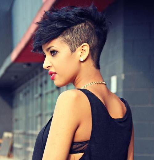 Chic Shaved Hairstyle for Women 5