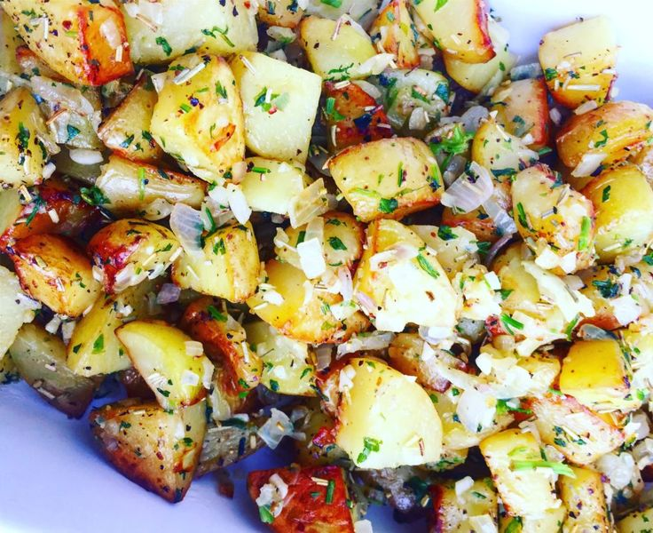 Stovetop sautéed potatoes, seasoned with garlic, shallots, and parsley to liven it up. This dish is easy, flexible, and can accompany a variety of mains.