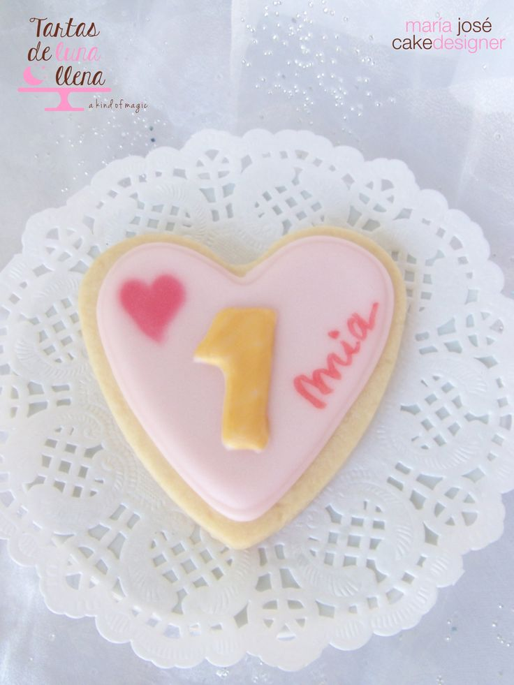 Galleta decorada con glasa para primer cumpleaños- 1st birthday decorated cookie girl www.tartasdelunallena.blogspot.com maria jose cake designer