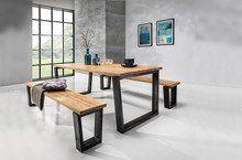 Blat prezentowanego stołu wykonany jest z litego - olejowanego drewna dębowego.  Nogi stołu wykonane są ze stali.  Dostępny w czterech...