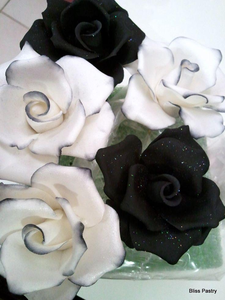 Las 25 mejores ideas sobre tatuaje de negro cisne en for How to dye roses black