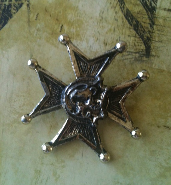 Vintage Old West Inspired Brass Pin by RetroJunction on Etsy, $10.00