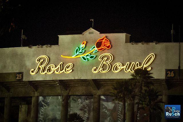 rose bowl stadium | Rose Bowl Stadium Logo at Night
