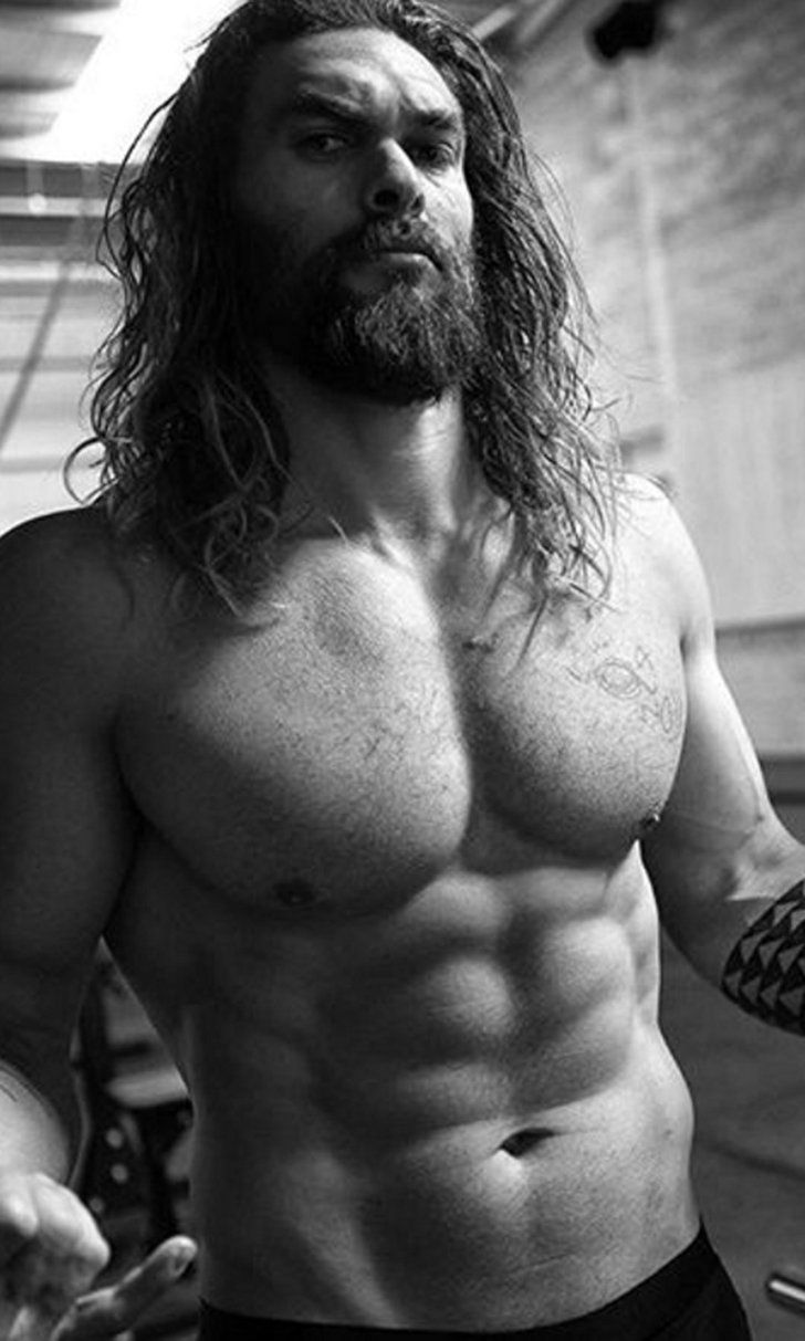 Jason Momoa Hints at a Return to Game of Thrones With a Shirtless Instagram Photo