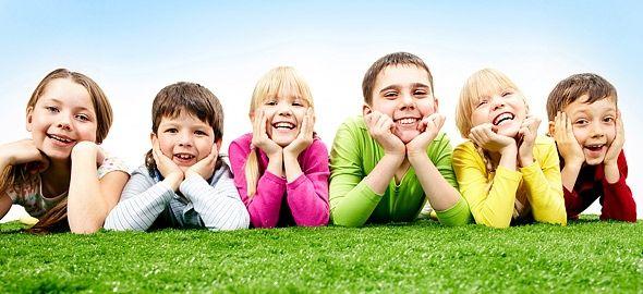 Μπεμπεκίστικες λέξεις, απορίες βγαλμένες από τη ζωή, μεγαλίστικες κουβέντες, σοφά λόγια. Όταν βγαίνουν από το στόμα μικρών παιδιών, πάντα μας διασκεδάζουν. Συγκεντρώσαμε μερικές από τις καλύτερες παιδικές ατάκες.