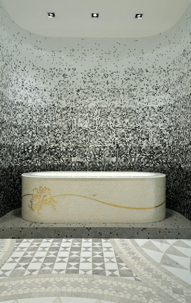 Vasca rivestimento in mosaico  #interiors