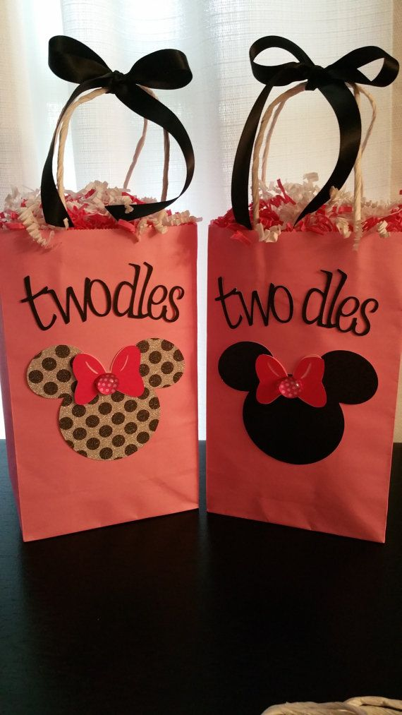 Minnie mouse party favor bags. 1 dozen. by MomMadeHome on Etsy
