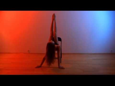 Chair dance lucka h youtube chair dance burlesque for Chair zumba