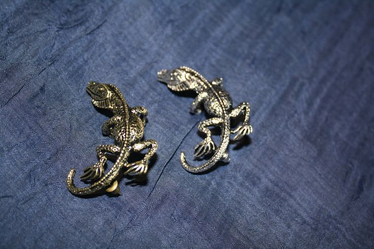 Lizard Ear Cuff #bronze #ear #earcuff #gold #jewelry #pretty #silver #steampunk  40% off orders over $50.  Free shipping and handling orders of $25 or more.  #Christmas #Present  www.ceesquared.ca