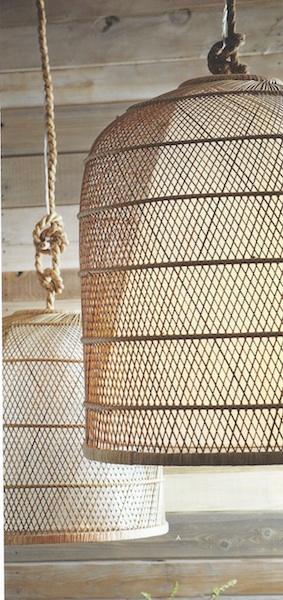 Rattan basket cloche light: 1,350.00