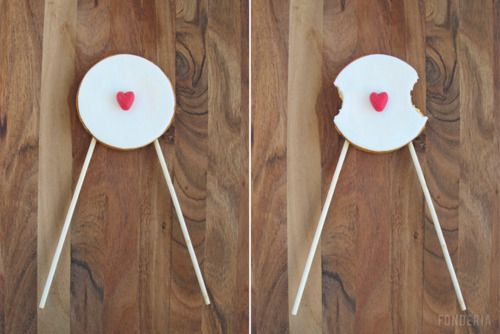 A romantic cookie pop designed for lovers. Eat the opposite ends until you meet in the middle for a yummi, candylicious, so-sweet-you-can-die kiss.