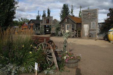 Prairie Gardens & Adventure Farm - wonderful wedding venue! www.PrairieGardens.org