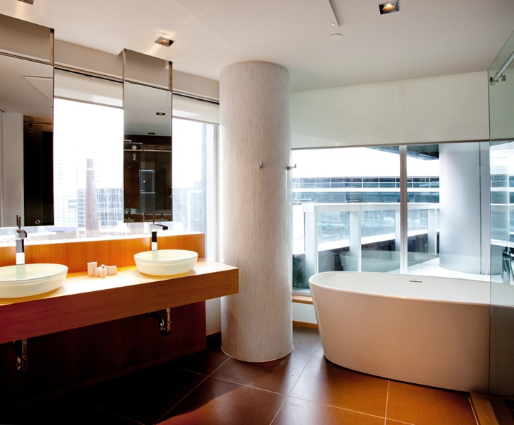 LEMAYMICHAUD | GERMAIN | Toronto | Maple Leaf Square | Architecture | Design | Hospitality | Hotel | Bathroom |