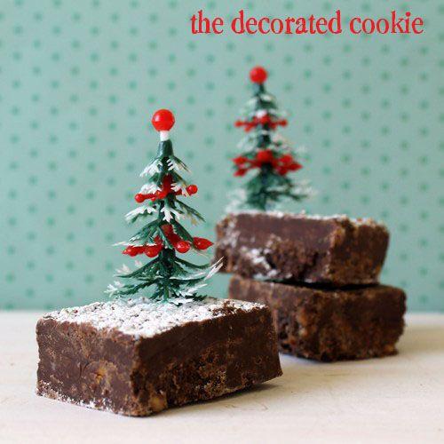 chocolate and toffee fudge   www.hersheykitchens.com #cookieHQ
