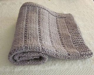 Baby blanket pattern--think I might make this for my on-the-way nephew