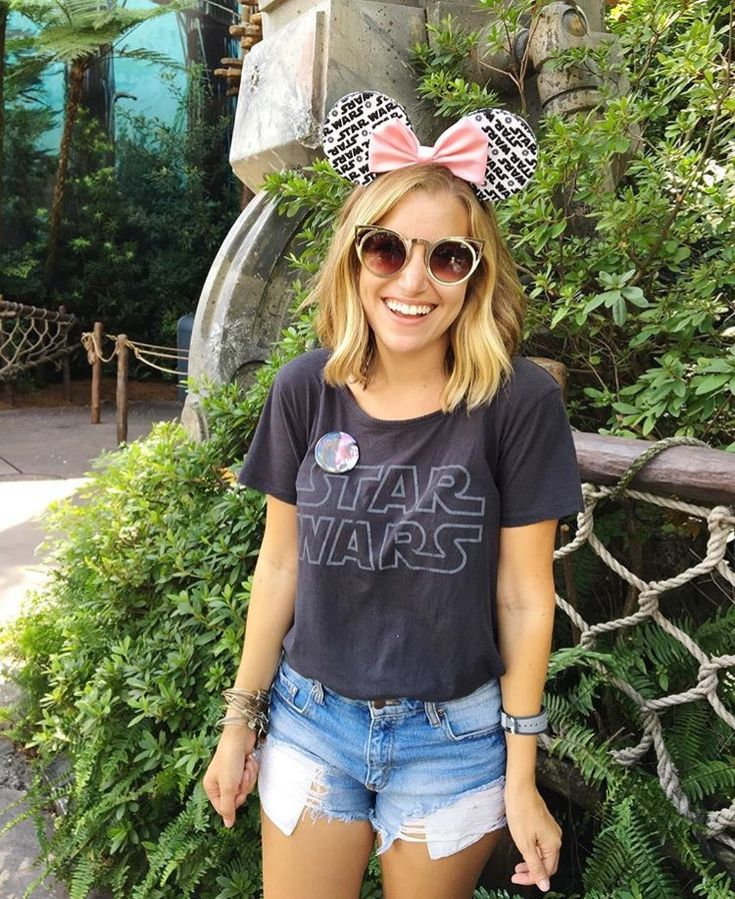 Star Wars + denim + pink // @Thepixietraveler
