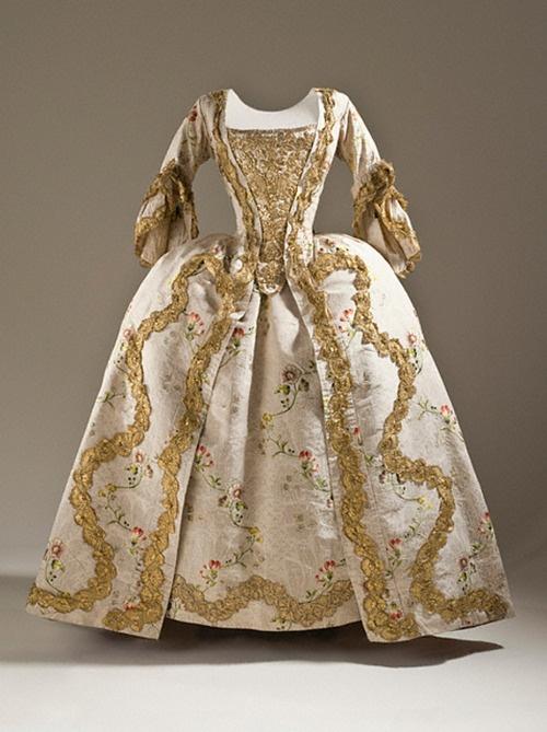 Baroque 18th century rococo fashion regency romantic era for Baroque fashion trend
