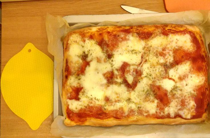 za home made , soffice e croccante , come in pizzeria anche per l'impasto della Pizza home made, soffice e croccante , ho usato la planetari