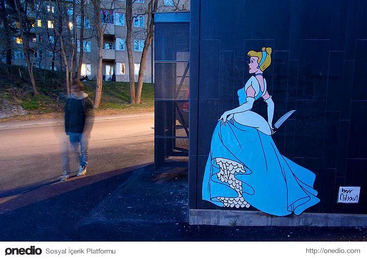 Sosyopat Prensesler! Disney'in Cici Kız İmajlarını Yerle bir Eden 27 Sokak Sanatı Örneği