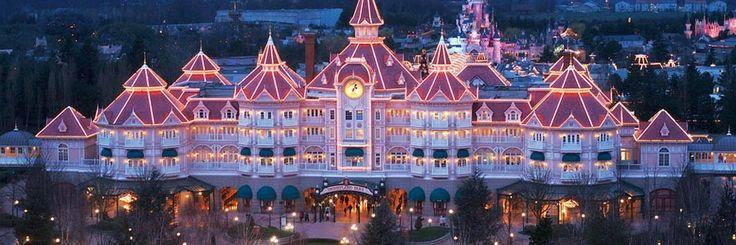 Disneyland Hotel.  www.sejoursmagiques.fr