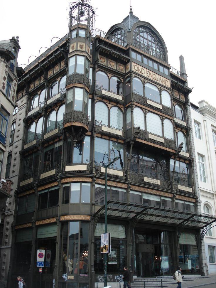 Old england building built in art nouveau style mus e des for Architecture xix