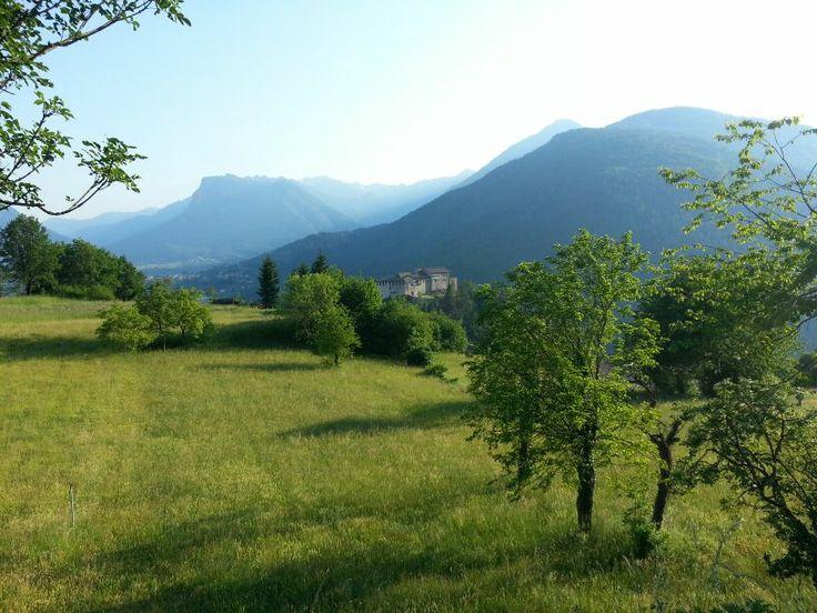 #CastelStenico circondato dalla natura del #Parco #AdamelloBrenta! #visitacomano #borghi #vallesalus #trentino