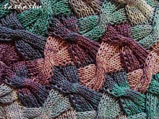 Ravelry: Knitted Scarf Butterflies pattern by Svetlana Gordon Hokus spokus pilates pas...ik zou willen dat het ietsjes ingewikkeld was ;-)