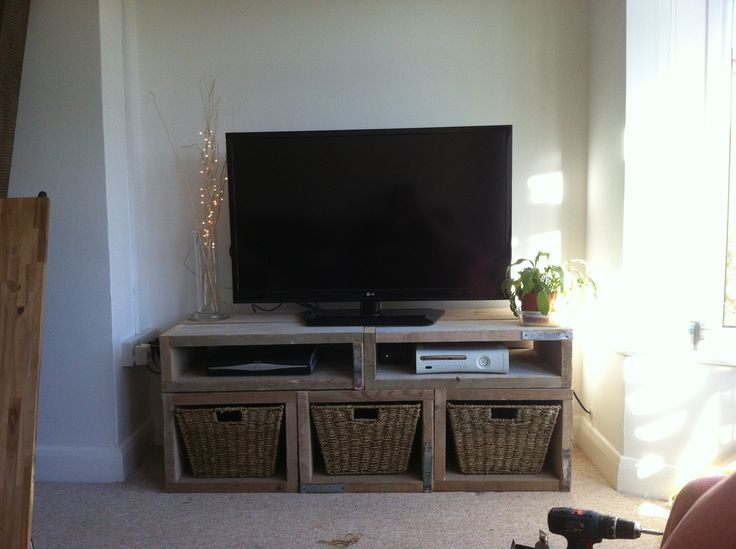 tv unit made from used scaffold boards decor ideas pinterest. Black Bedroom Furniture Sets. Home Design Ideas