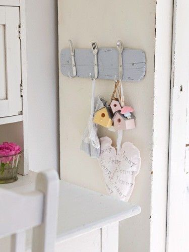 Cute idea for kitchen towels.. or the key ring.