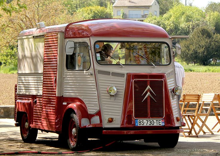 the snack mobile at Camon, Aude, France