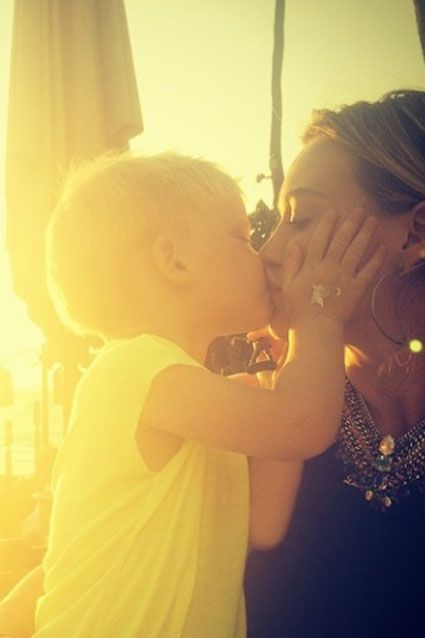 Hilary Duff's son Luca Comrie gave his mommy a kiss that will melt your heart.
