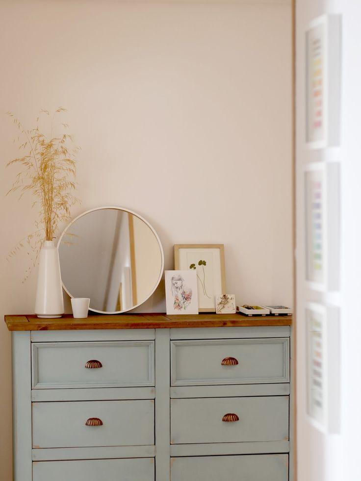 Mueble decapado con autentico chalk paint azul cielo de verano!