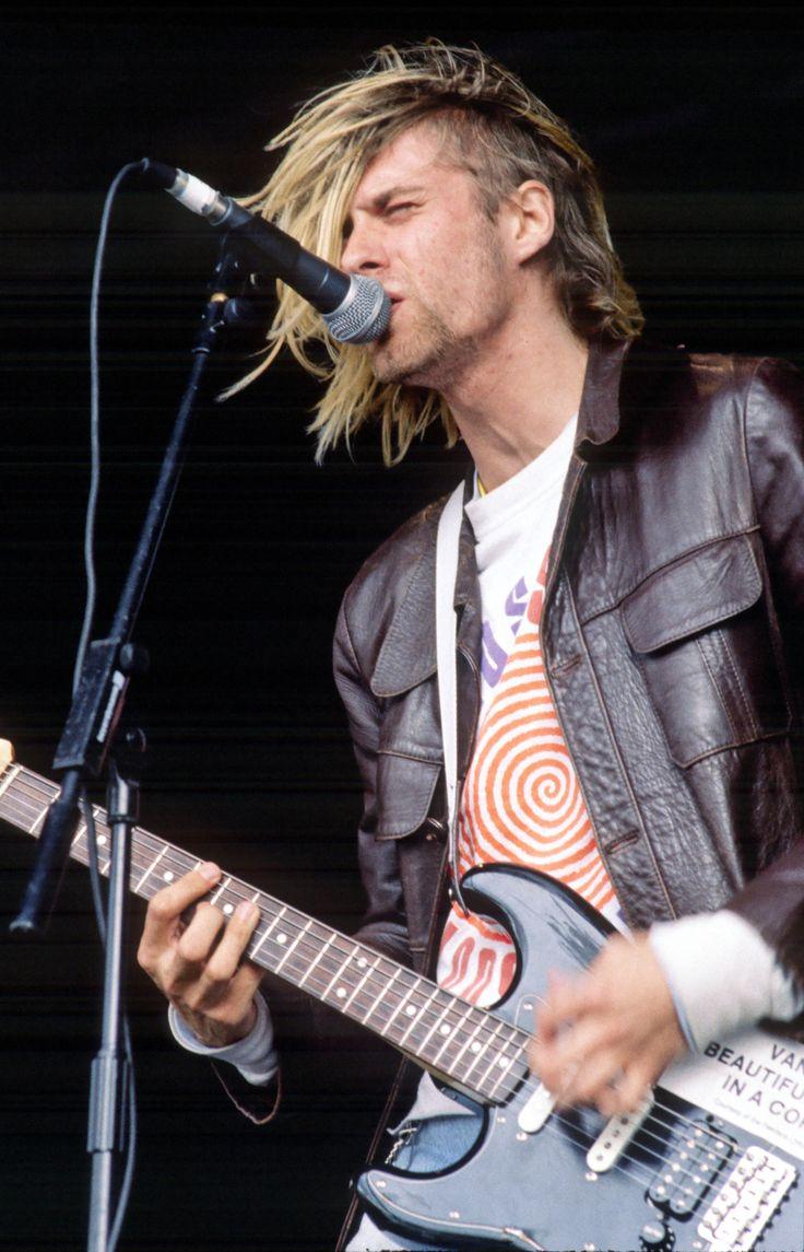 Kurt Cobain, Richfield Avenue (Reading Festival), Reading, United Kingdom. 1991