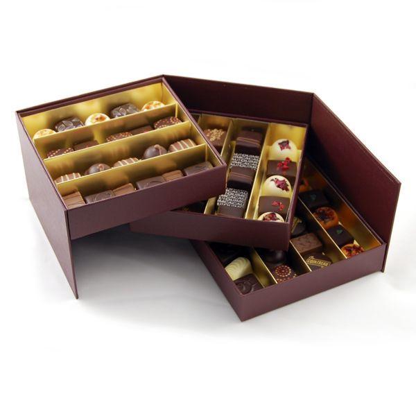 ¡Fantástica caja de 60 Bombones de chocolate! Ideal para regalar a alguien querido. Encuentra este producto de 'Quimcacau! en Loikos.                                                                                                                                                                                 Más
