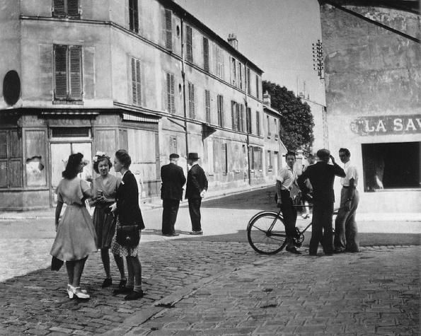 Sunday morning in Arcueil, 1945