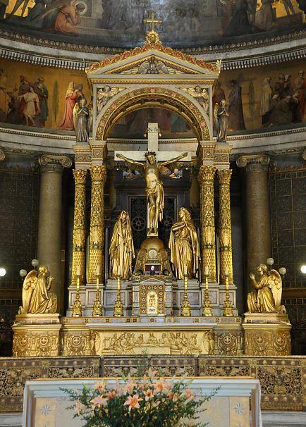 Le maître-autel de l'église Saint-Vincent-de-Paul. Paris Xe