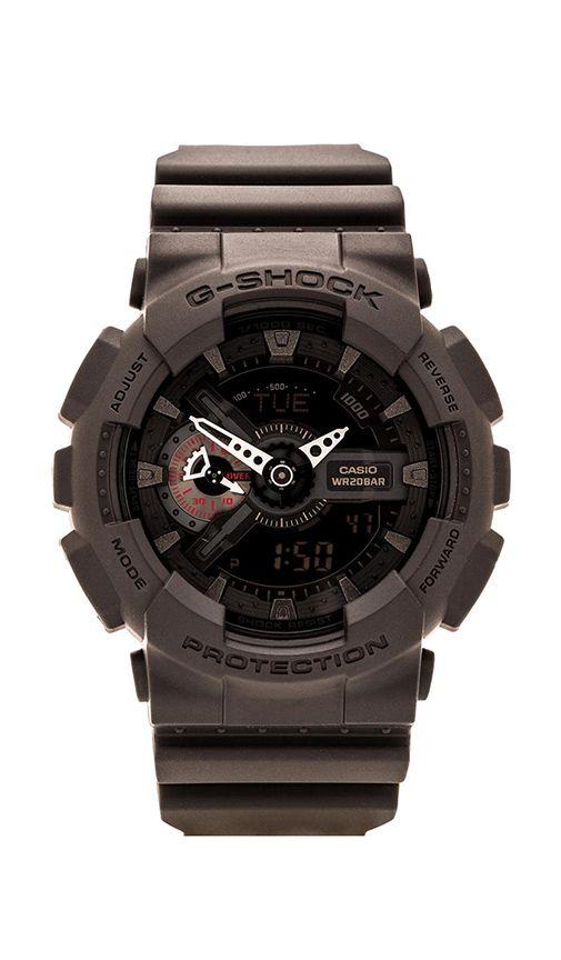 Compra G-Shock RELOJ GA-110 MILITARY BLACK en Negro & Rojo en REVOLVE. Envío y devoluciones de 2-3 días gratis y 30 días de garantía de igualación de precio.