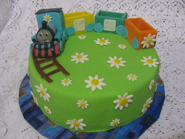 Идеи украшения торта из мастики