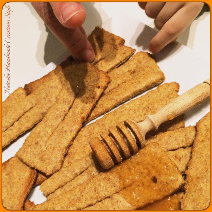 Chiacchiere al forno con farine integrali e miele