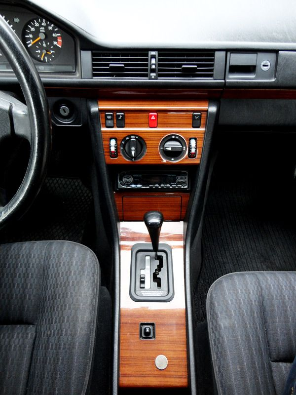 The 25 best mercedes w124 ideas on pinterest for Mercedes benz interieur