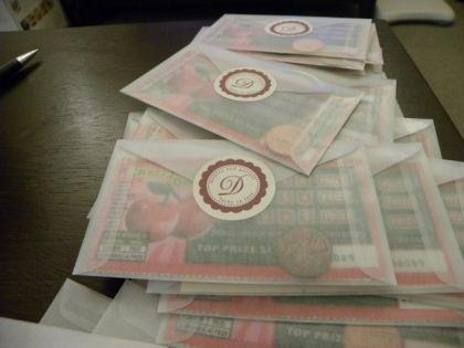 12 Steps to Lottery Scratcher Favors : wedding diy favors pleasanton tutorial 7 7