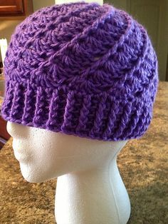 Divine Hat - This is an easy free pattern, looks great too!
