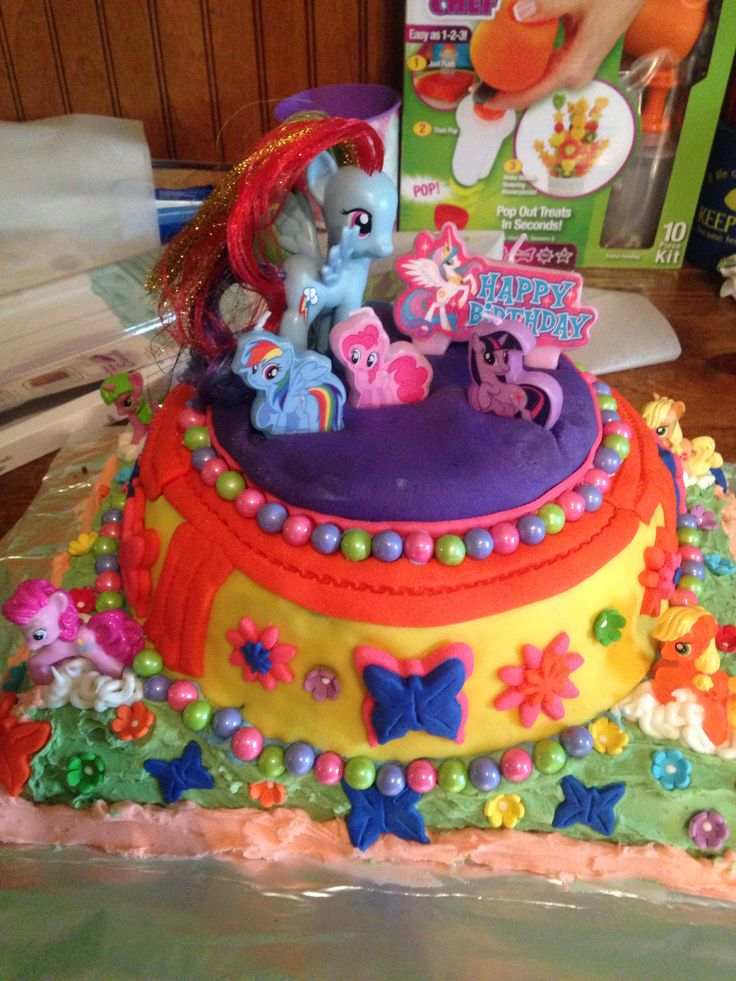 My little pony on Pinterest  Wedding cake cupcakes, My little pony ...