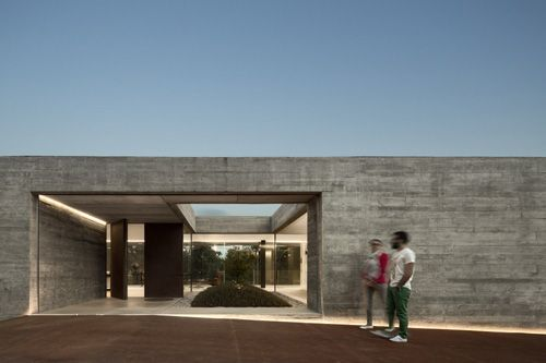 #modern #architecture #entryway #courtyard