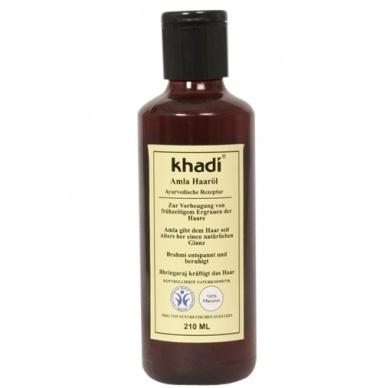 Amla olie is een van de oudste, natuurlijke en effectieve haarconditioners. Deze olie met zijn toegevoegde ingrediënten als Henna, Brahmi, Neem en andere speciale kruiden heeft vele positieve eigenschappen. Het stimuleren van de haargroei en het tegengaan van haaruitval is één van de meest bekende eigenschappen van Amla. De essentiële voedingsstoffen voeden en versterken het haar en de wortel zonder de beschermende laag aan te tasten.
