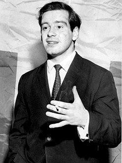 Pierre Bourgault, 1934 Naît le 23 janvier à East Angus dans les Cantons de l'Est, au Québec.  / 1942-1950 Étudie au Séminaire de Sherbrooke et au Collège Jean-de-Brébeuf.