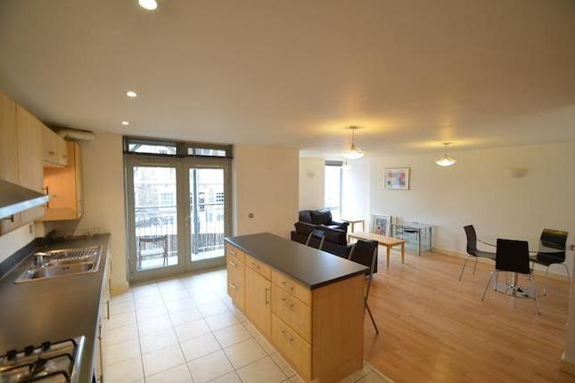 2 bedroom flat to rent in Queensdale Crescent, London W11 - 27002892