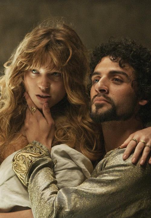 Lea Seydoux & Oscar Isaac in Robin Hood
