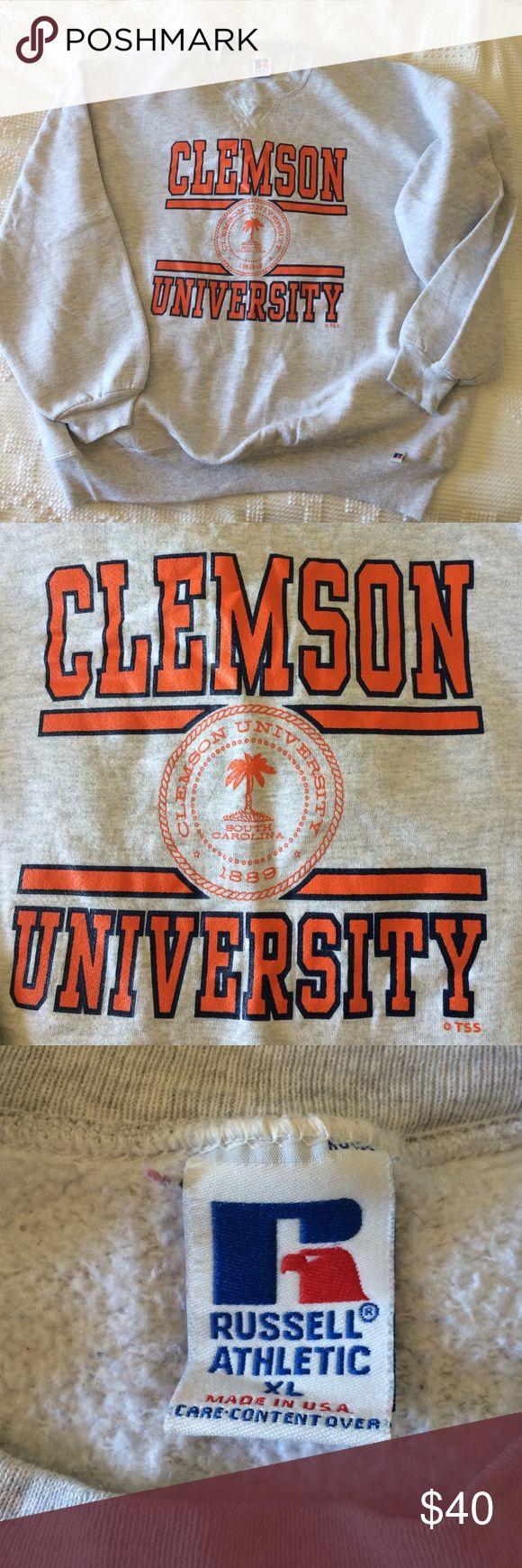 Clemson Sweatshirt Grey Clemson sweatshirt, super cozy and comfy! Sweaters Crew & Scoop Necks